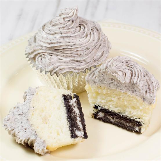 Cake Mix Cookies and Cream Cupcakes