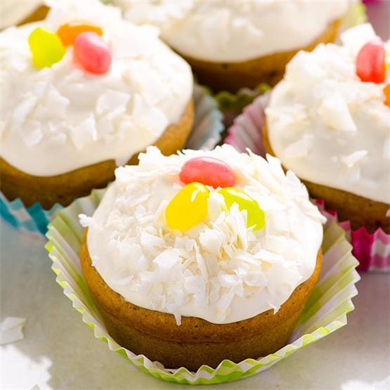 Clean Eating Vanilla Cupcakes