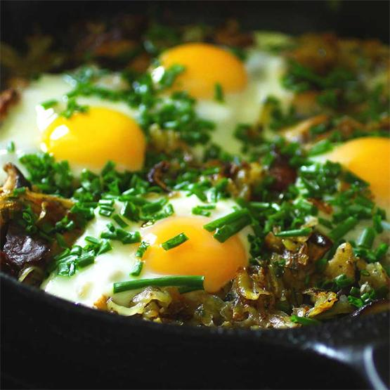 Hash Brown Shiitake Eggs with Fresh Chives