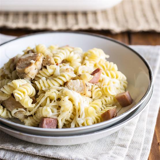 10 Minute Chicken Cordon Bleu Pasta