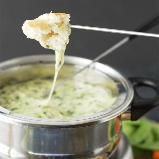 Gluten Free Spinach and Leek Cheese Fondue