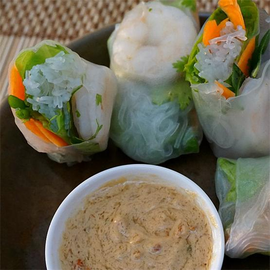 Vietnamese spring rolls with shrimp and peanut sauce