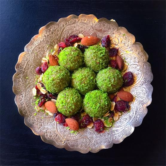 Matcha Oats Bliss Balls (5 Minutes - No Cook Recipe)