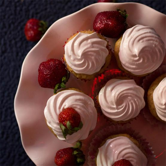 Strawberries and Cream Cupcakes
