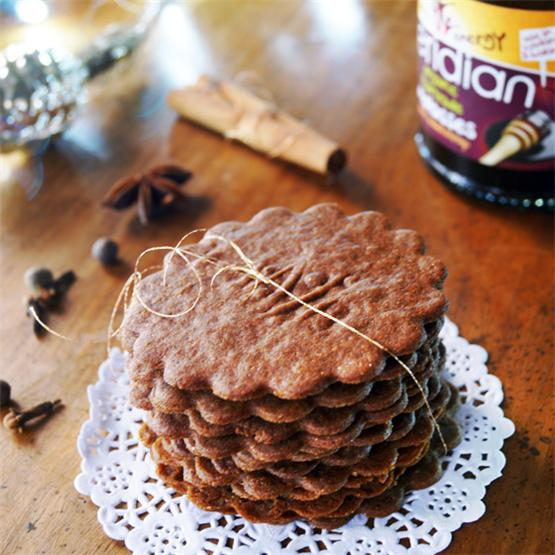 Moravian spicy cookies with molasses