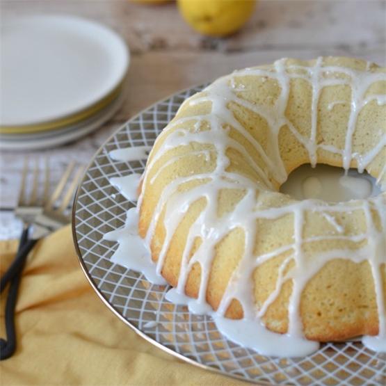 Gluten Free Lemon Bundt Cake with Lemonade Icing