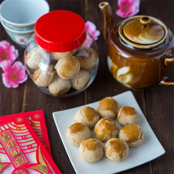 These traditional Chinese Peanut Cookies are sweet morsels of p