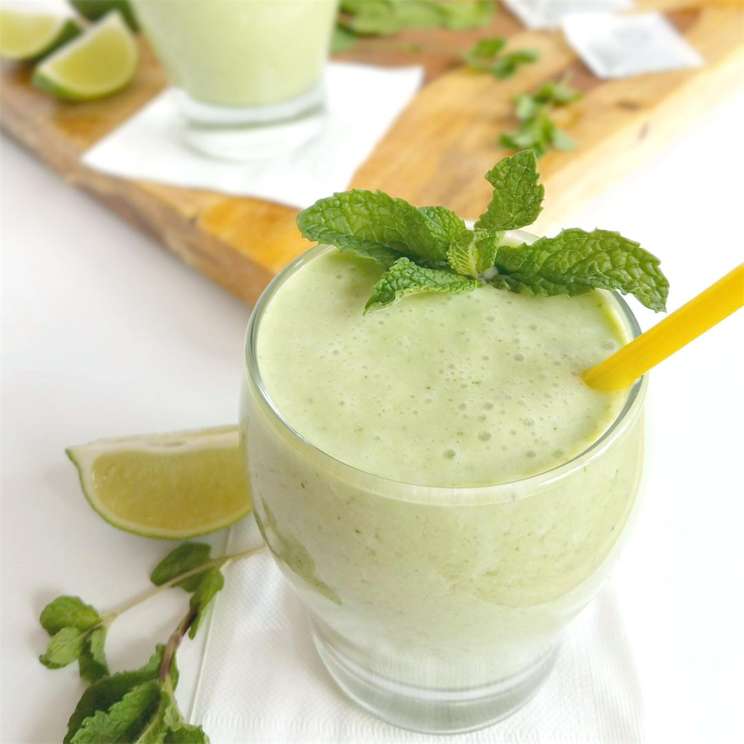 Green Tea Smoothie with Pineapple & Spinach - Paleo, vegan