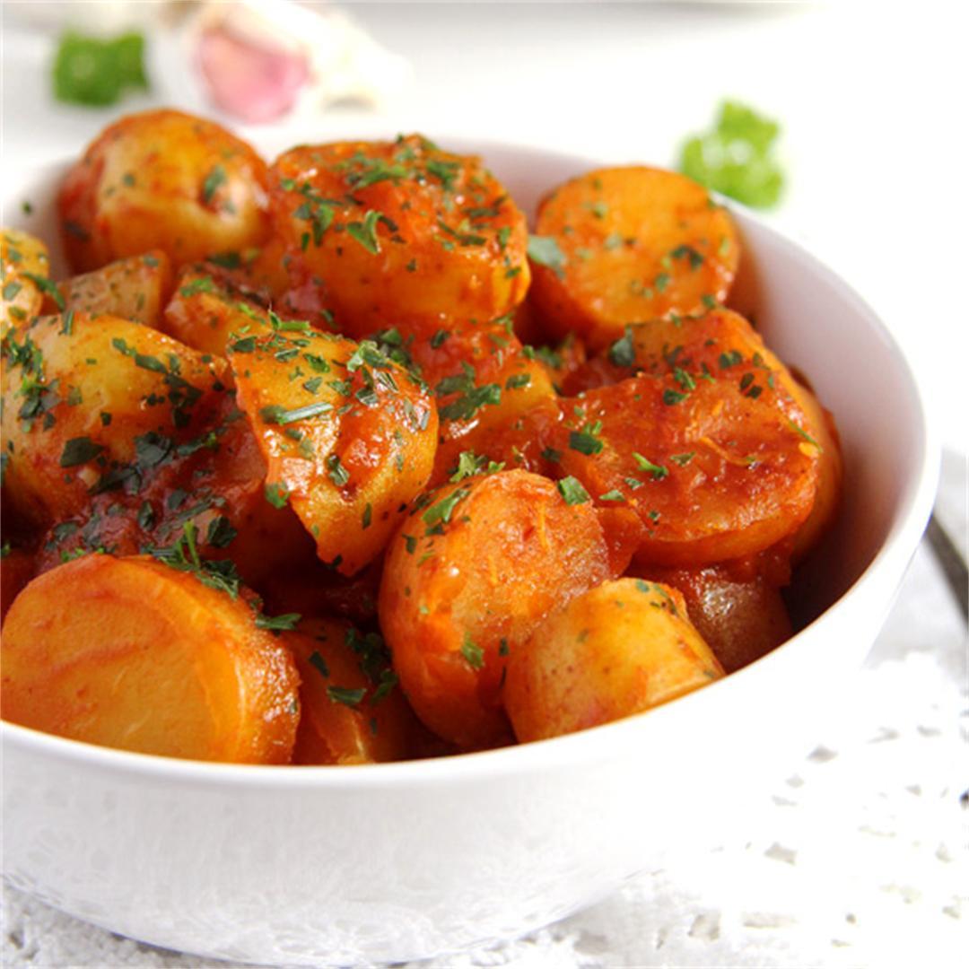 New Potatoes in Tomato Sauce