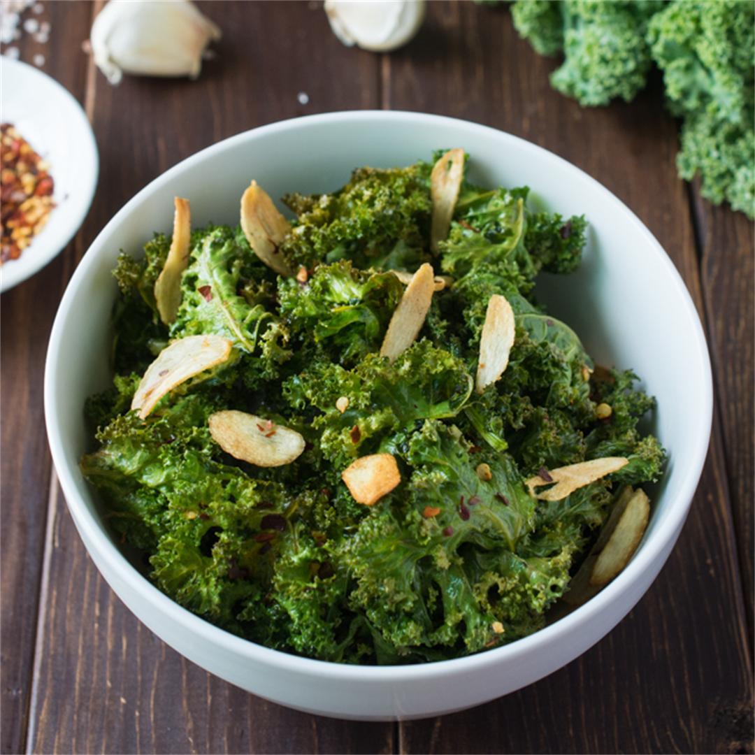 Spicy Garlic Kale Chips