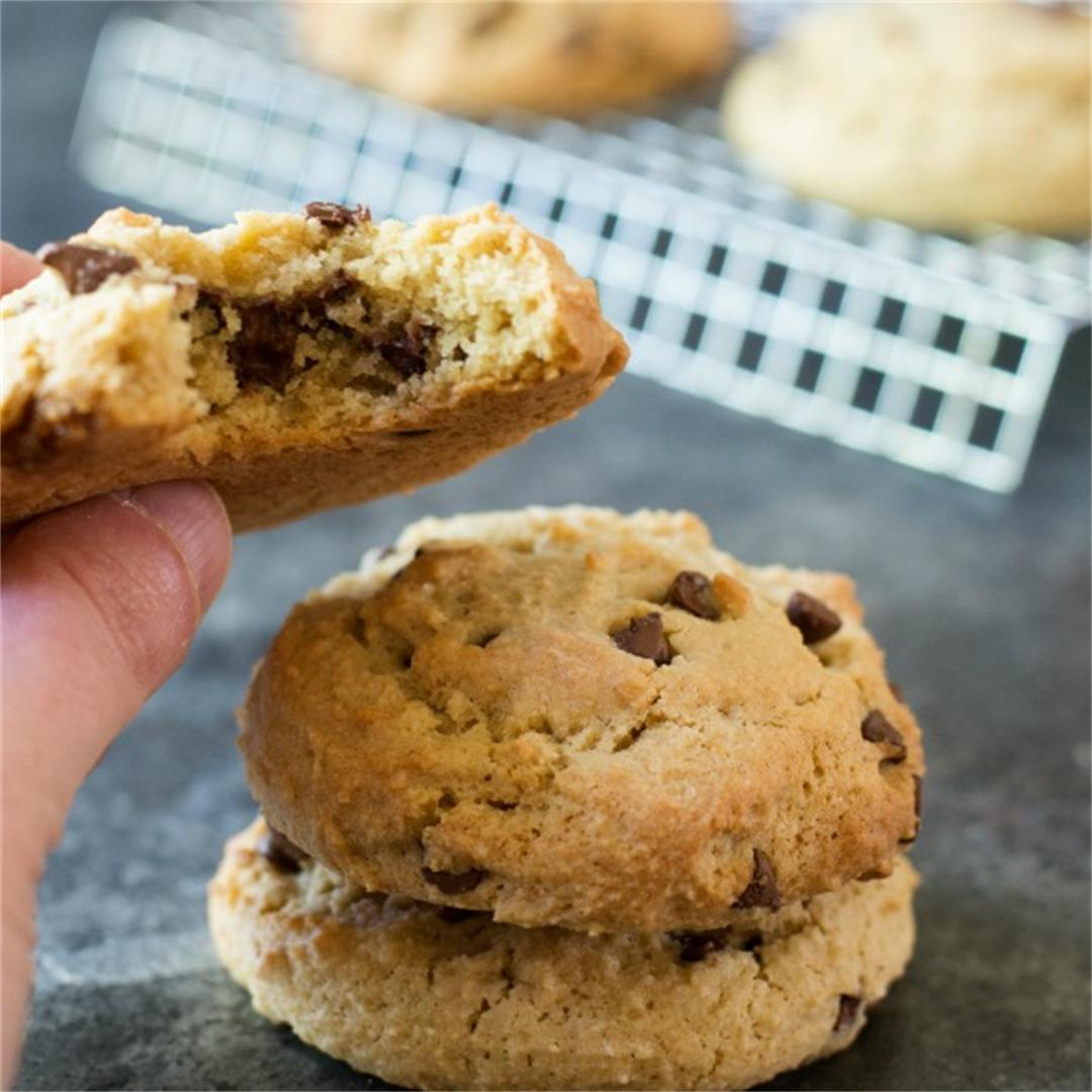 Gluten Free Nutella Stuffed Chocolate Chip Cookies