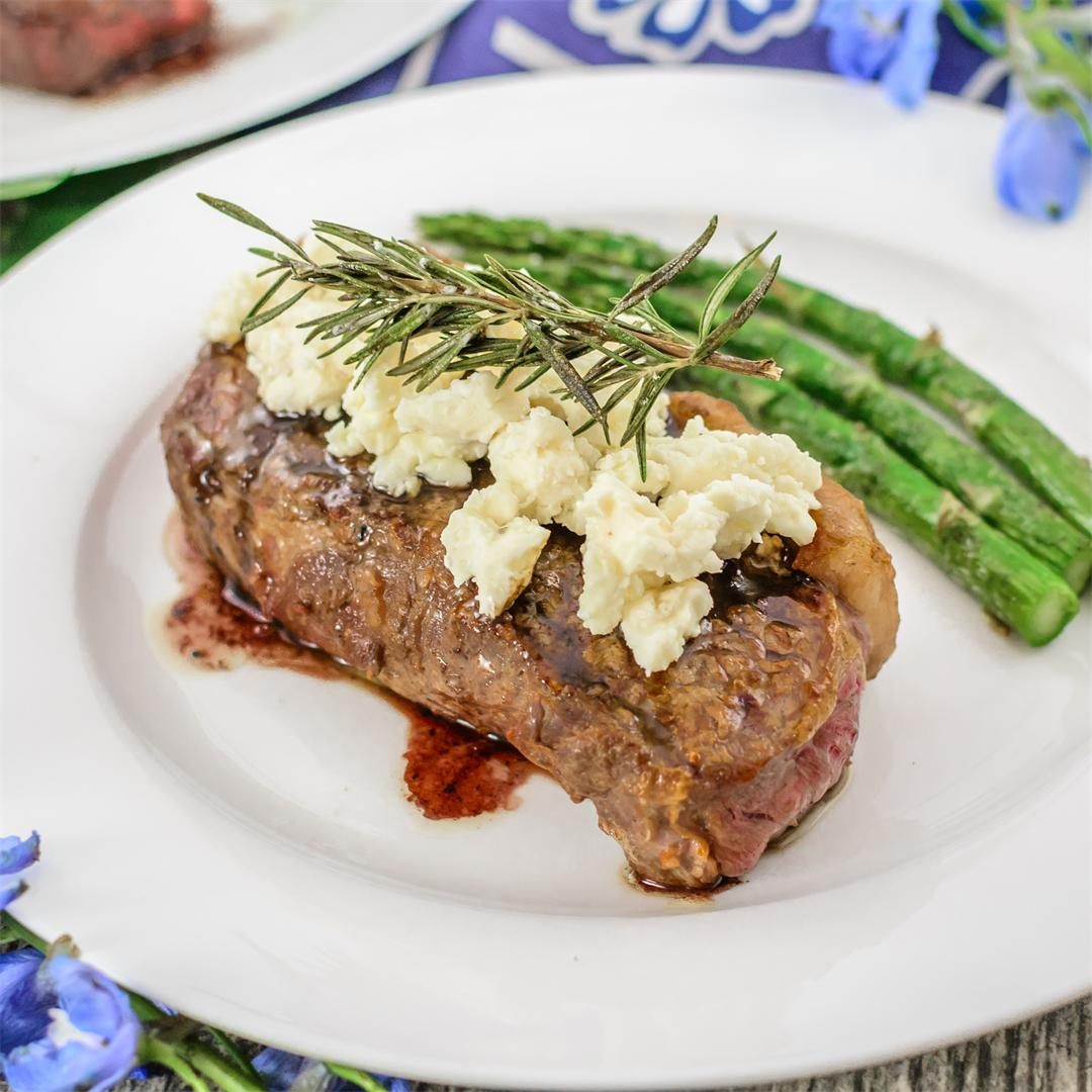 Sirloin Strip with Red Wine, Rosemary and Blue Cheese