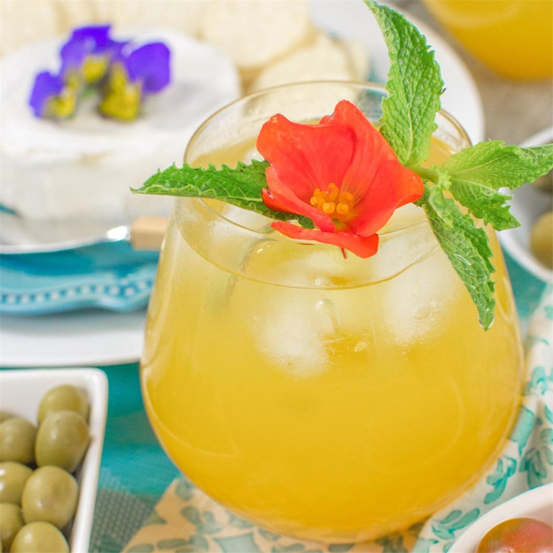 White Wine Peach Cocktail