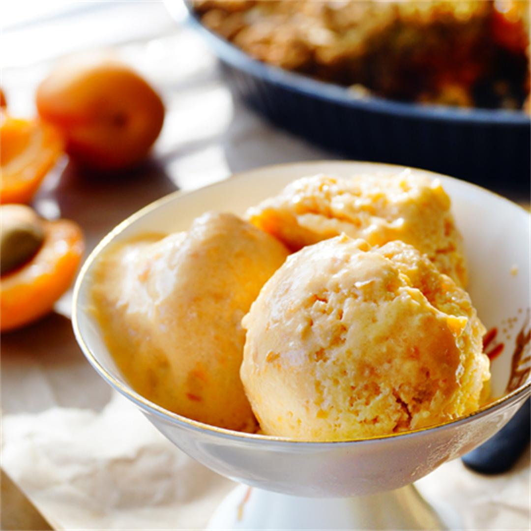 Apricot cobbler with apricot ice-cream
