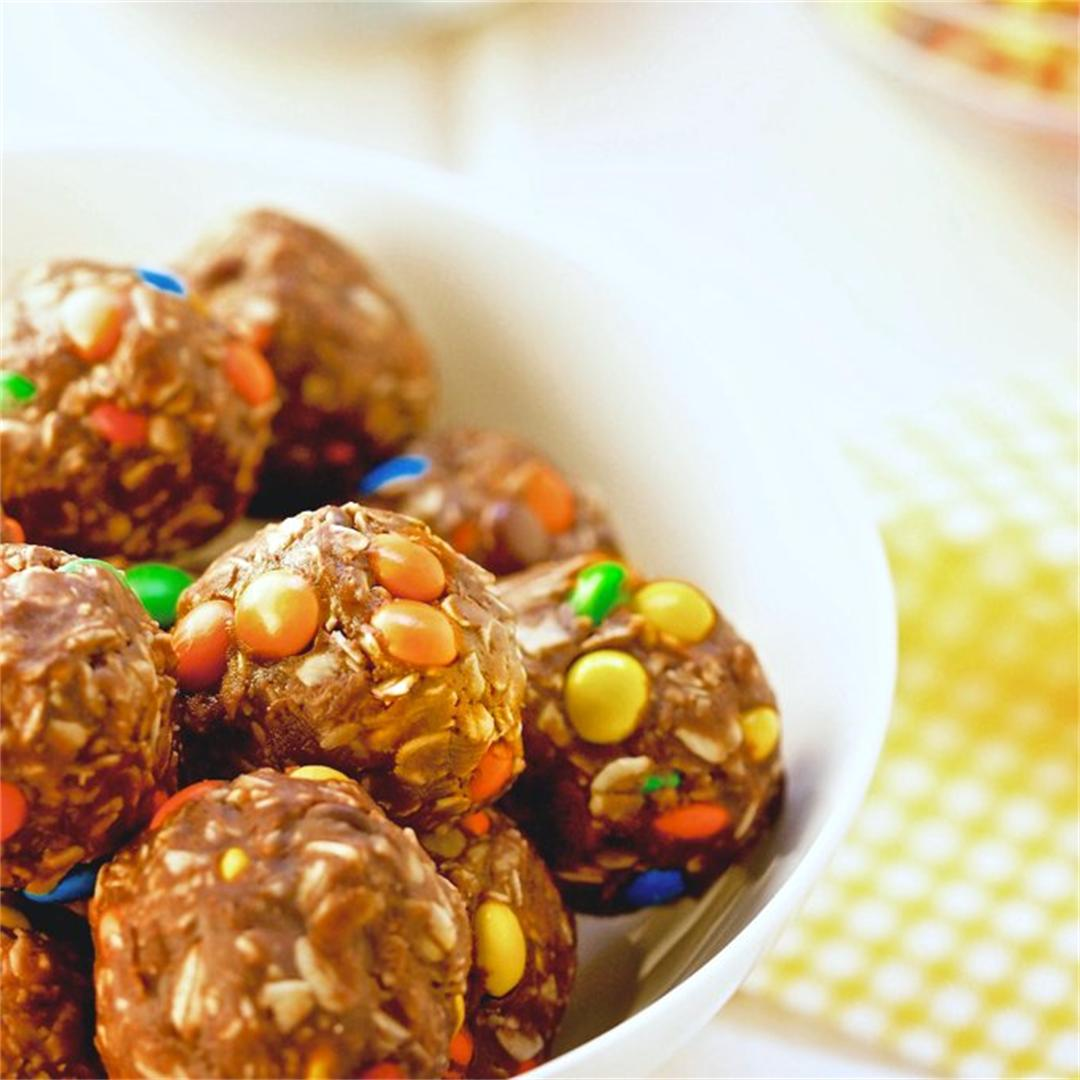 Loaded No Bake Peanut Butter Oatmeal Cookie Balls