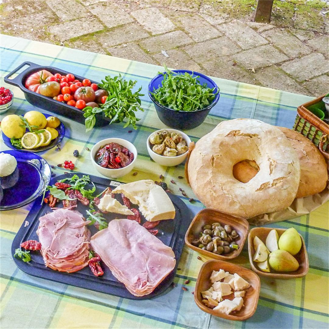 "Ferragosto: a Mediterranean picnic ""English style"""
