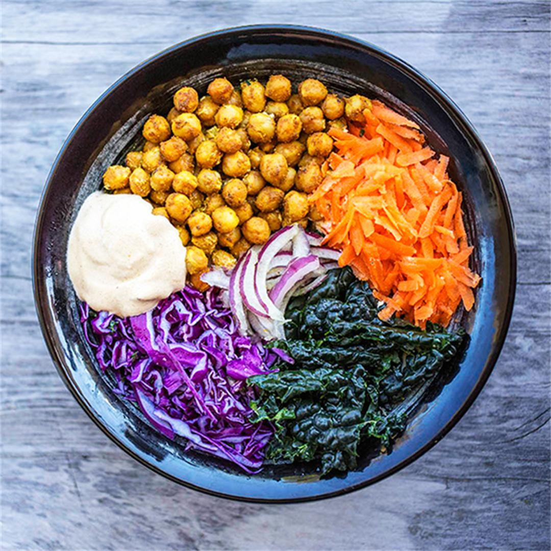 Buddha Bowl with Spicy Chickpease and Creamy Cumin Cashew Sauce