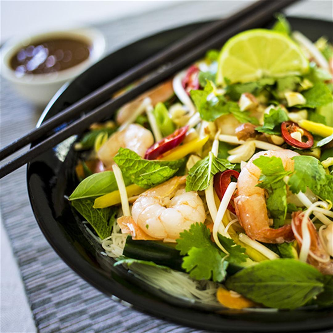 Vietnamese Summer Roll Salad with Spicy Peanut Dressing