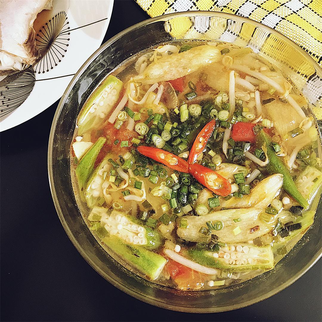 Southern Vietnamese sour soup