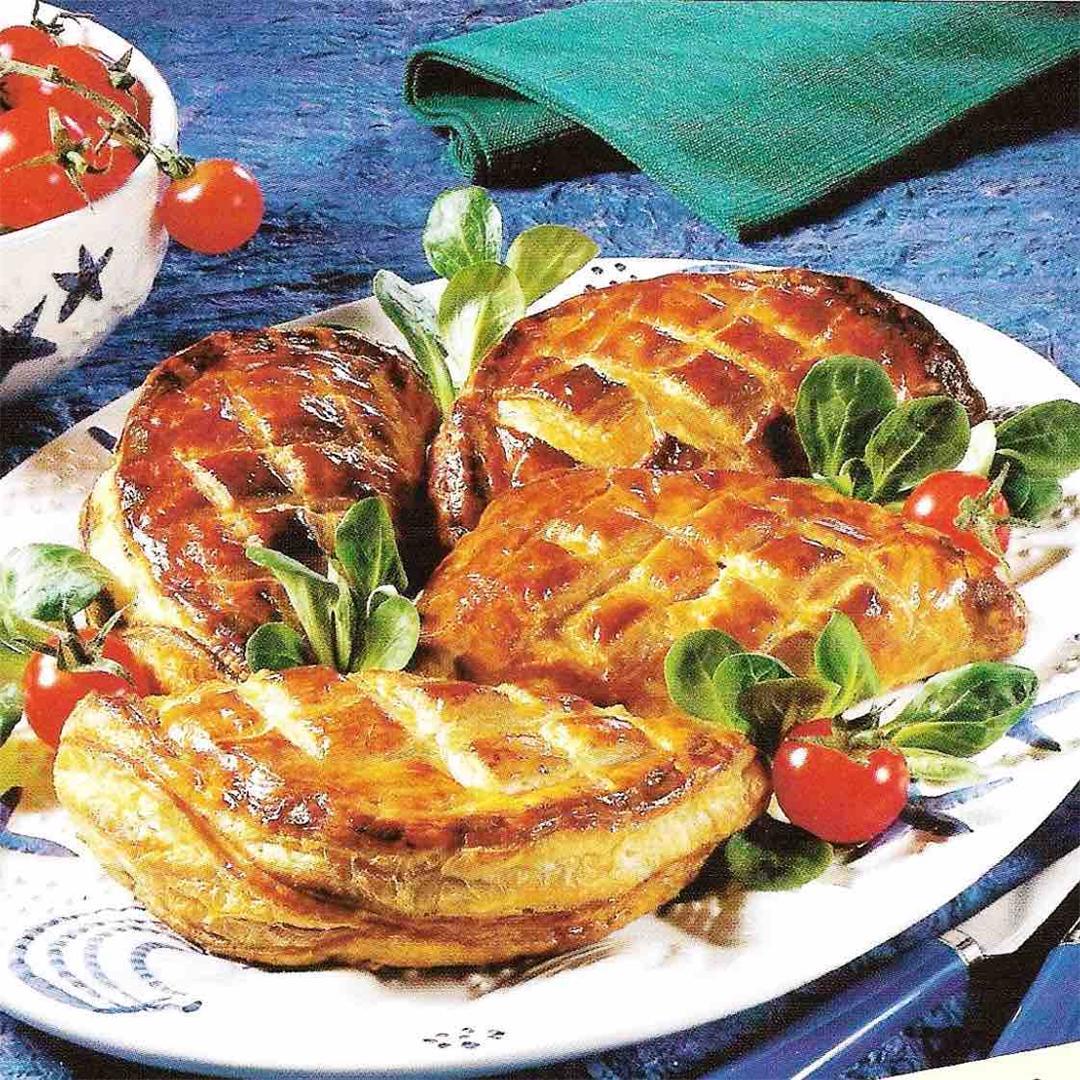 Crab puff pastry