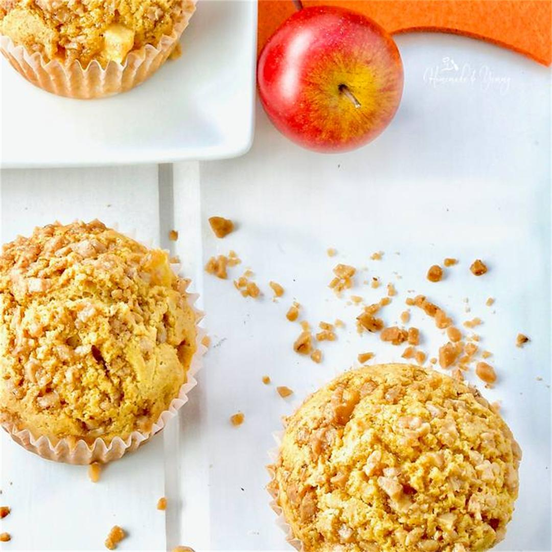 Fresh Apple Muffins with Toffee Topping