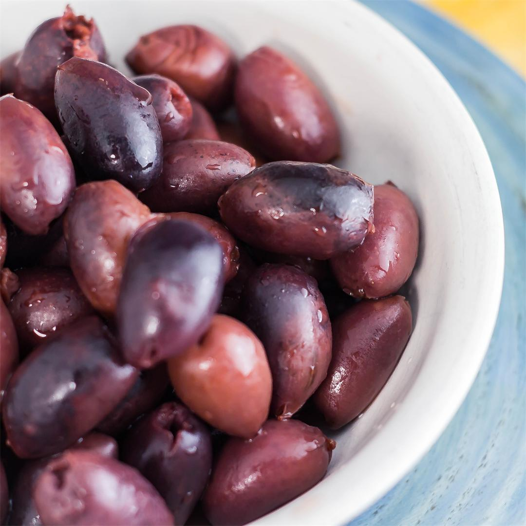 Marinated Olives With Red Wine Vinaigrette