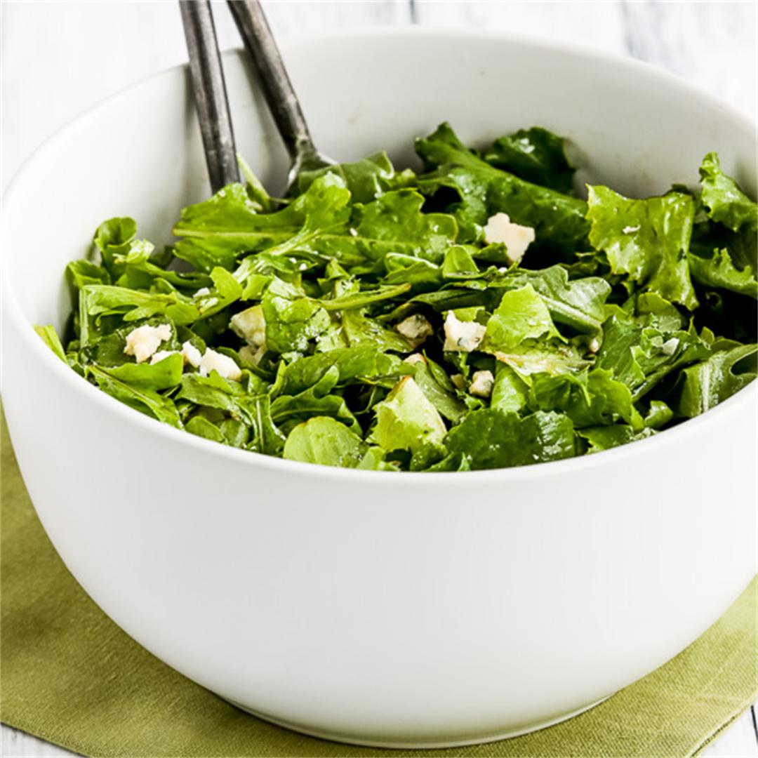 Arugula, Kale, and Gorgonzola Salad with Balsamic Vinegar