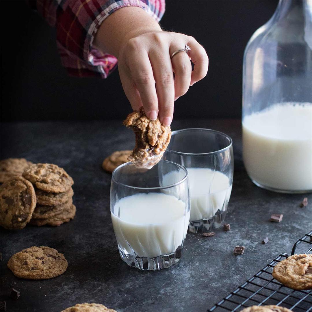 Soft Paleo Chocolate Chip Cookies--gluten & refined sugar free!