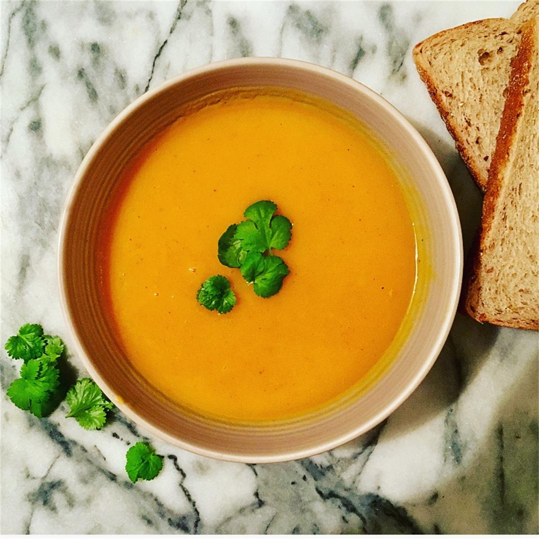Fast & Tasty Carrot and Coriander Soup