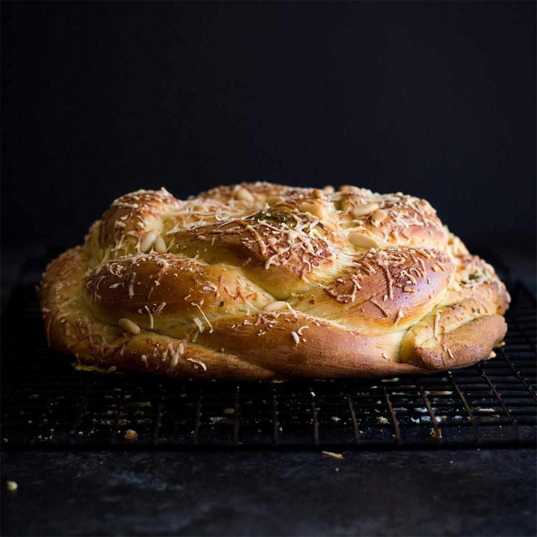 Pesto-Stuffed Challah - super easy with swirls of pesto!
