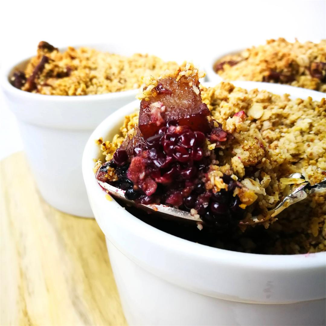 Mini Blackberry & Pear Crumble