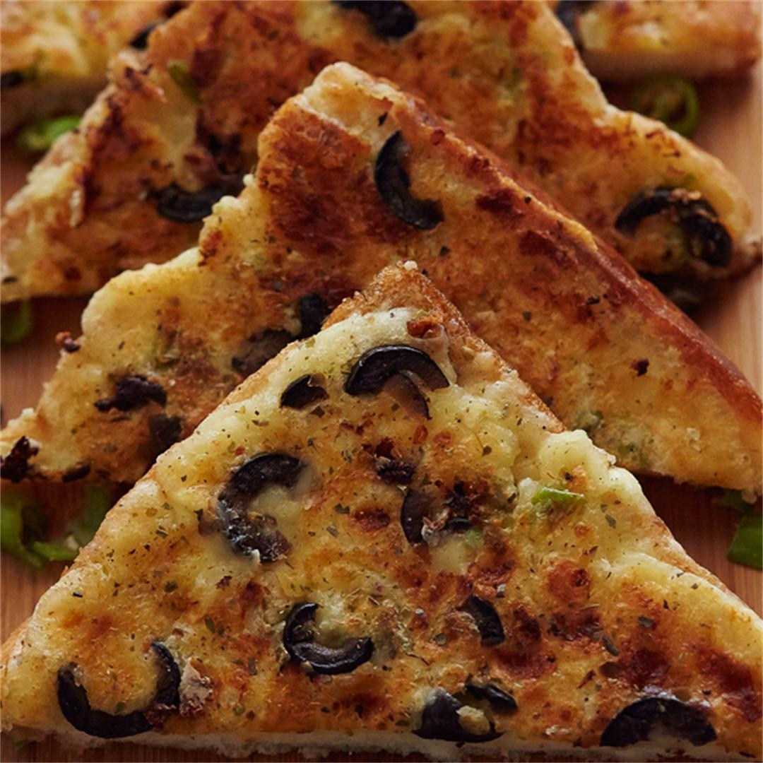 Chilli Cheese Toast with Garlic & Olives
