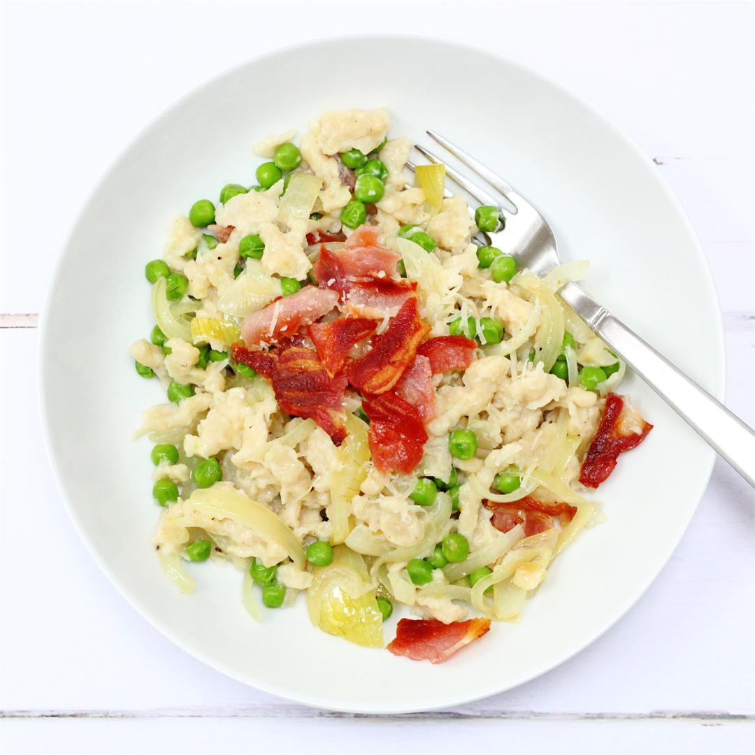 Spaetzle with caramelised onions, bacon and peas