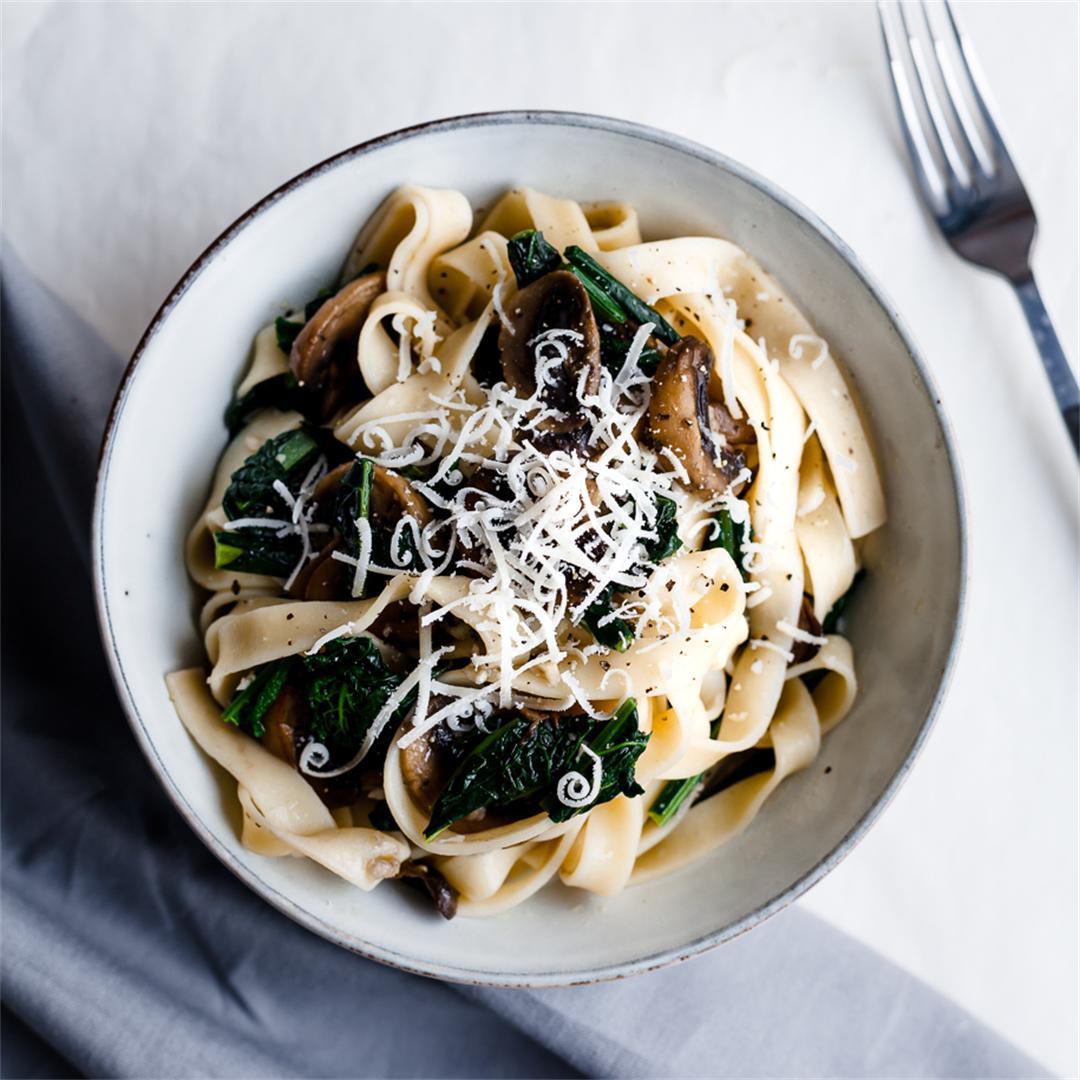 Garlicky Mushroom and Kale Tagliatelle