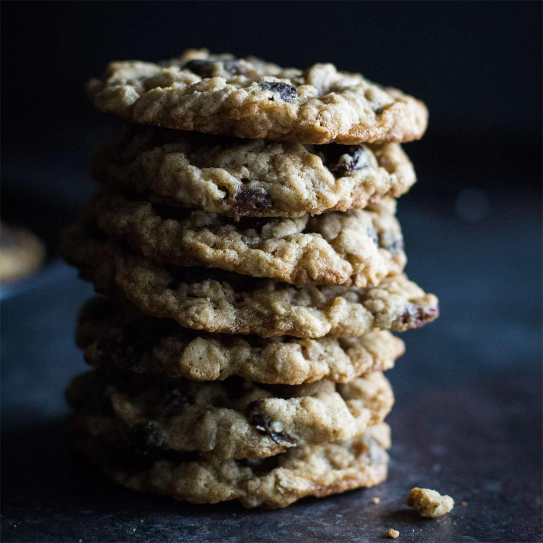 Oatmeal Cookies with Maple-Soaked Raisins