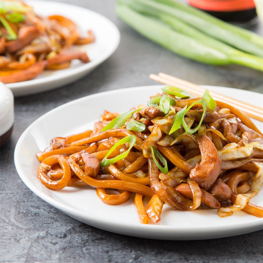 Stir-Fried Swiss Sauce Chicken Udon
