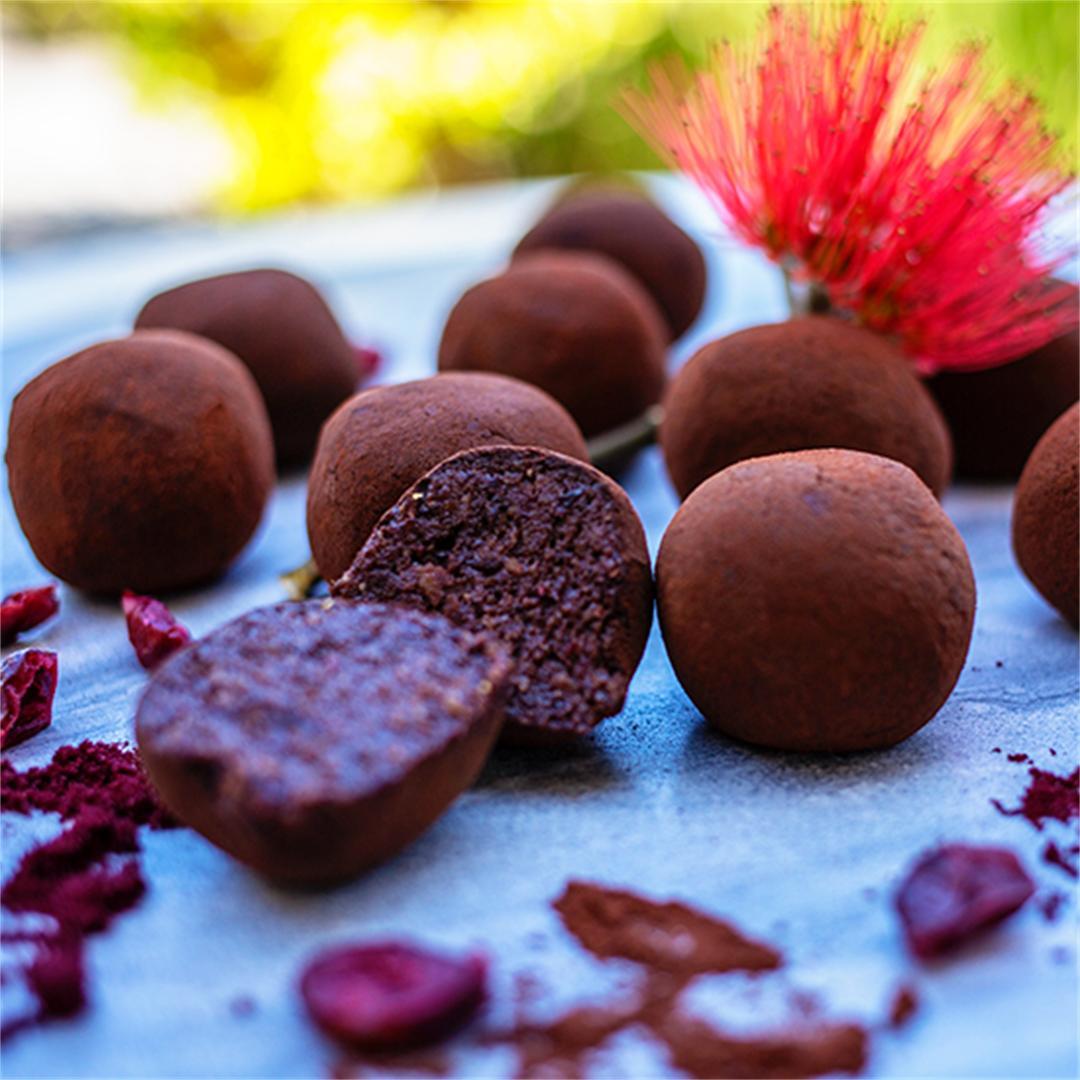 Paleo Cranberry & Chocolate Truffles