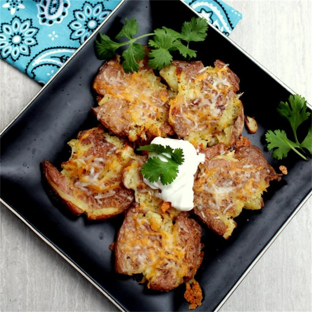 Smashed Potatoes – Oven Baked Cheesy Smashed Potatoes