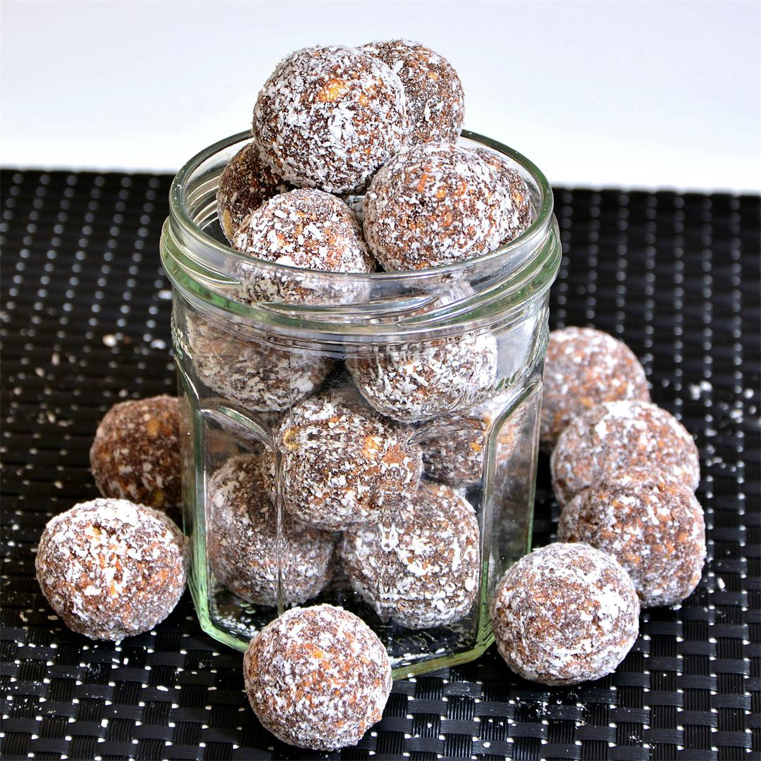 Rum Balls : The Littles Bullets For The Festive Season