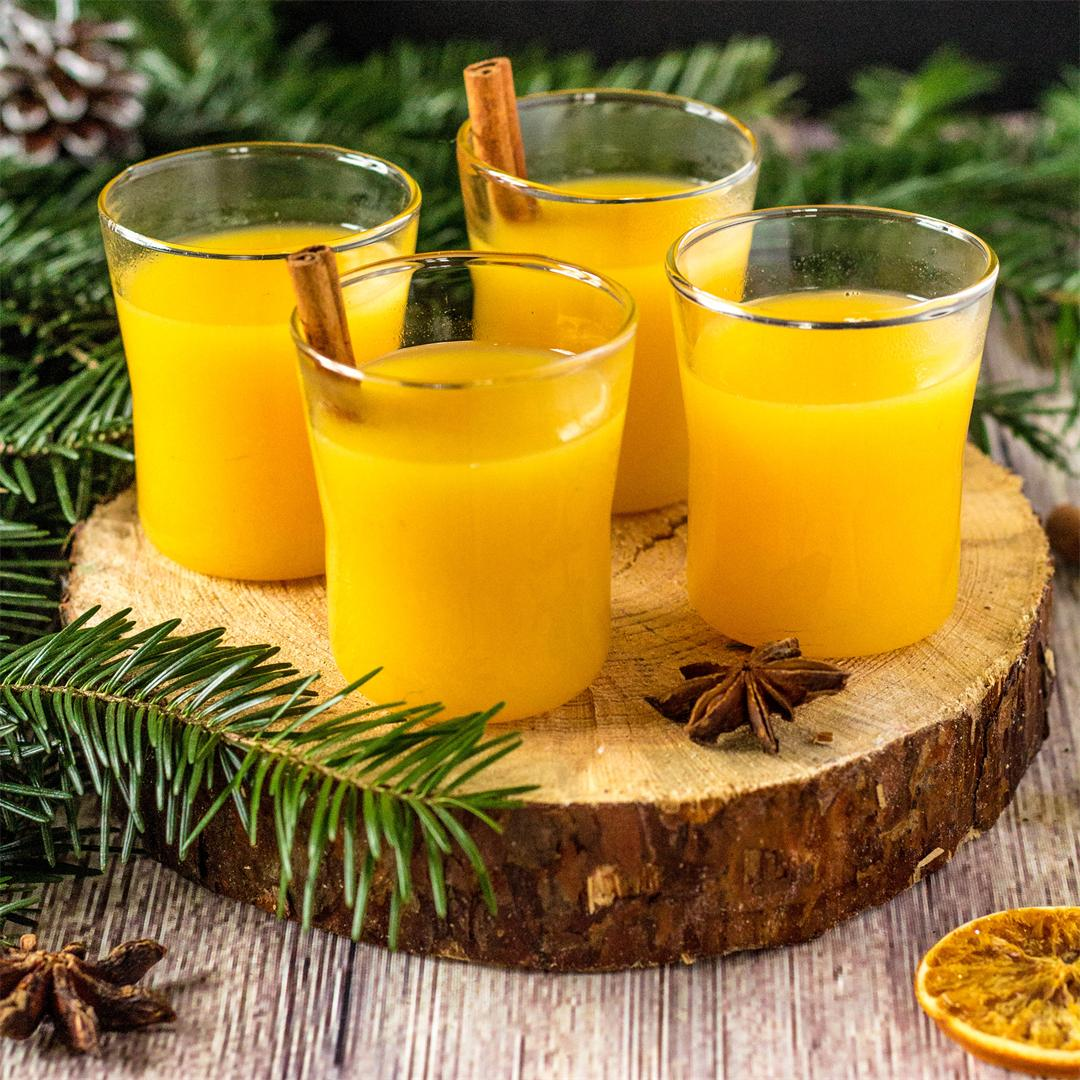 Hot Christmas Orange Juice