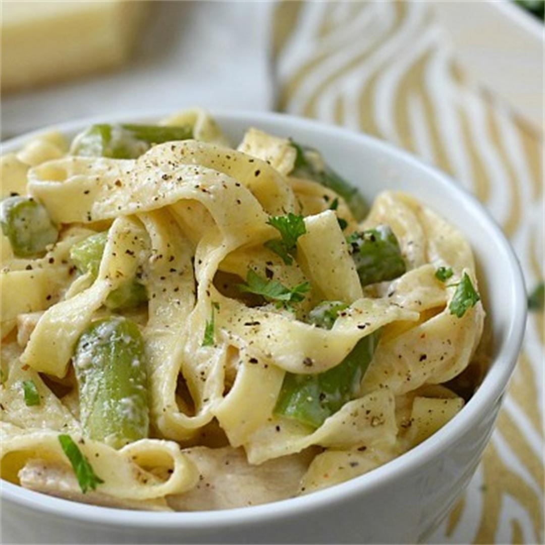 Chicken with Asparagus and Pasta in Cajun Cream Sauce
