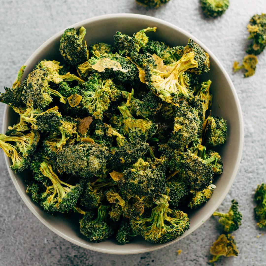 Dehydrated Raw Vegan Cheezy Broccoli Chips