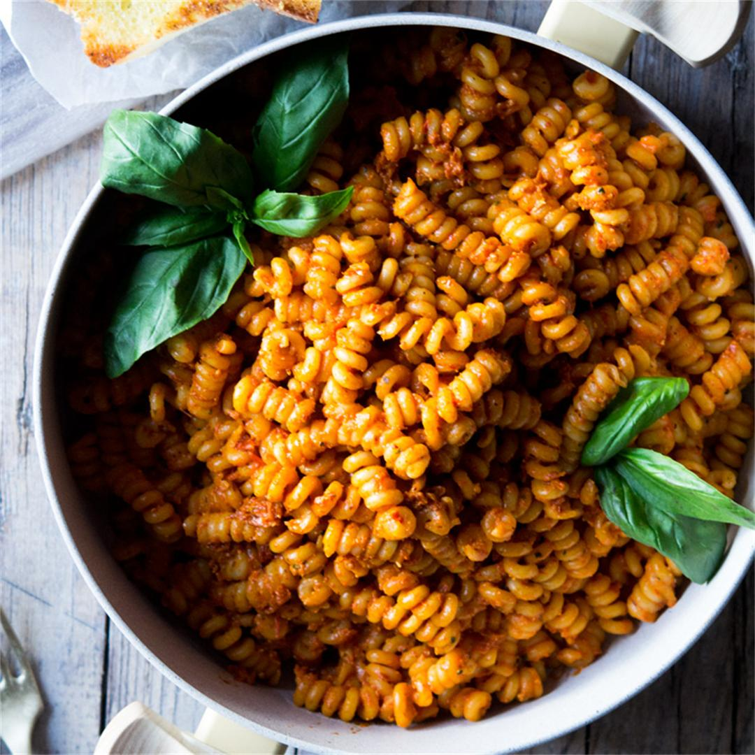 Roasted Red Pepper & Sun Dried Tomato Pasta