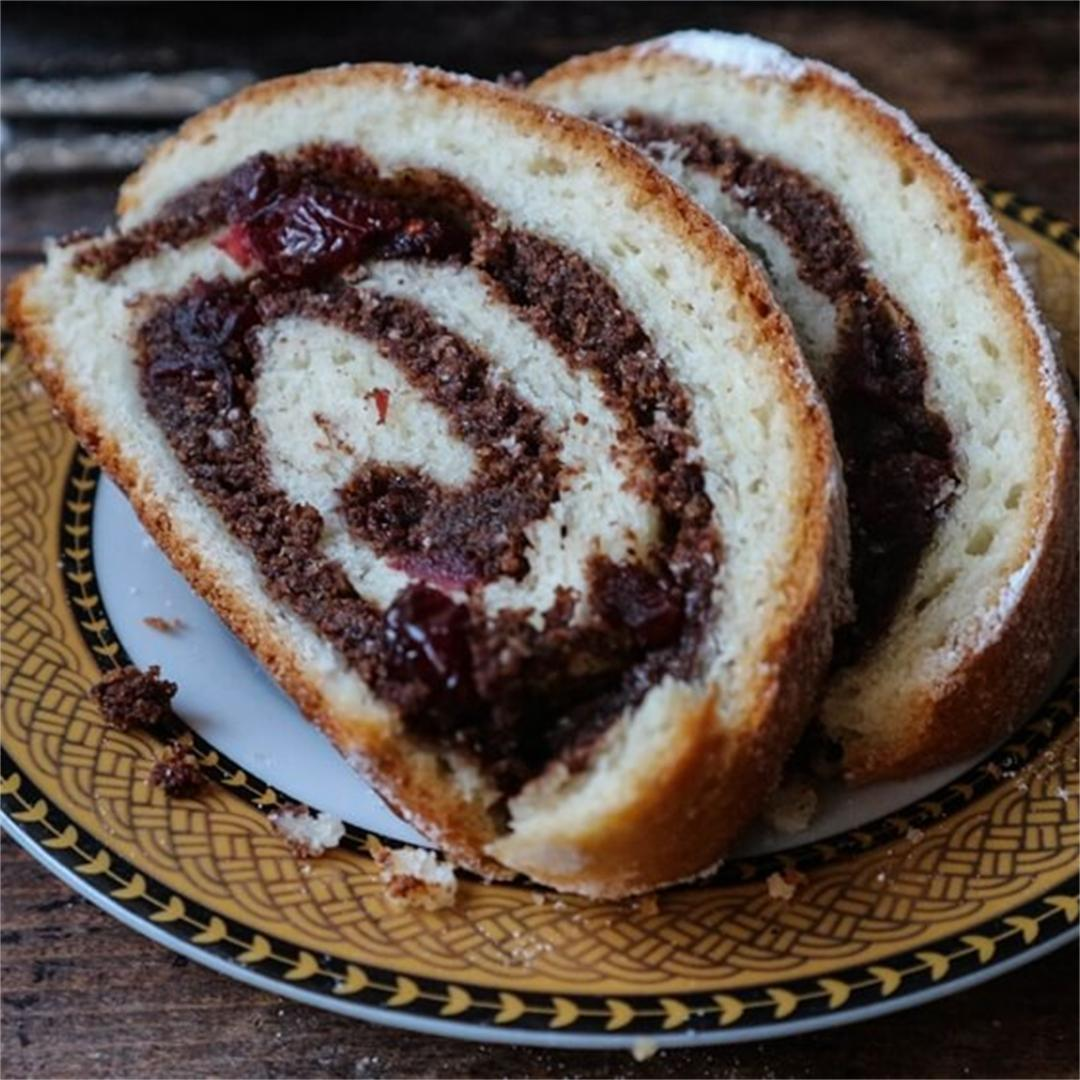 Vegan Carob & Cranberry Roll