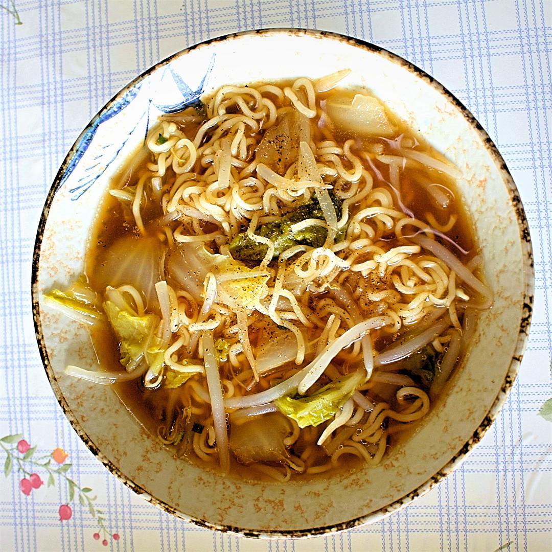 simple instant Ramen noodle