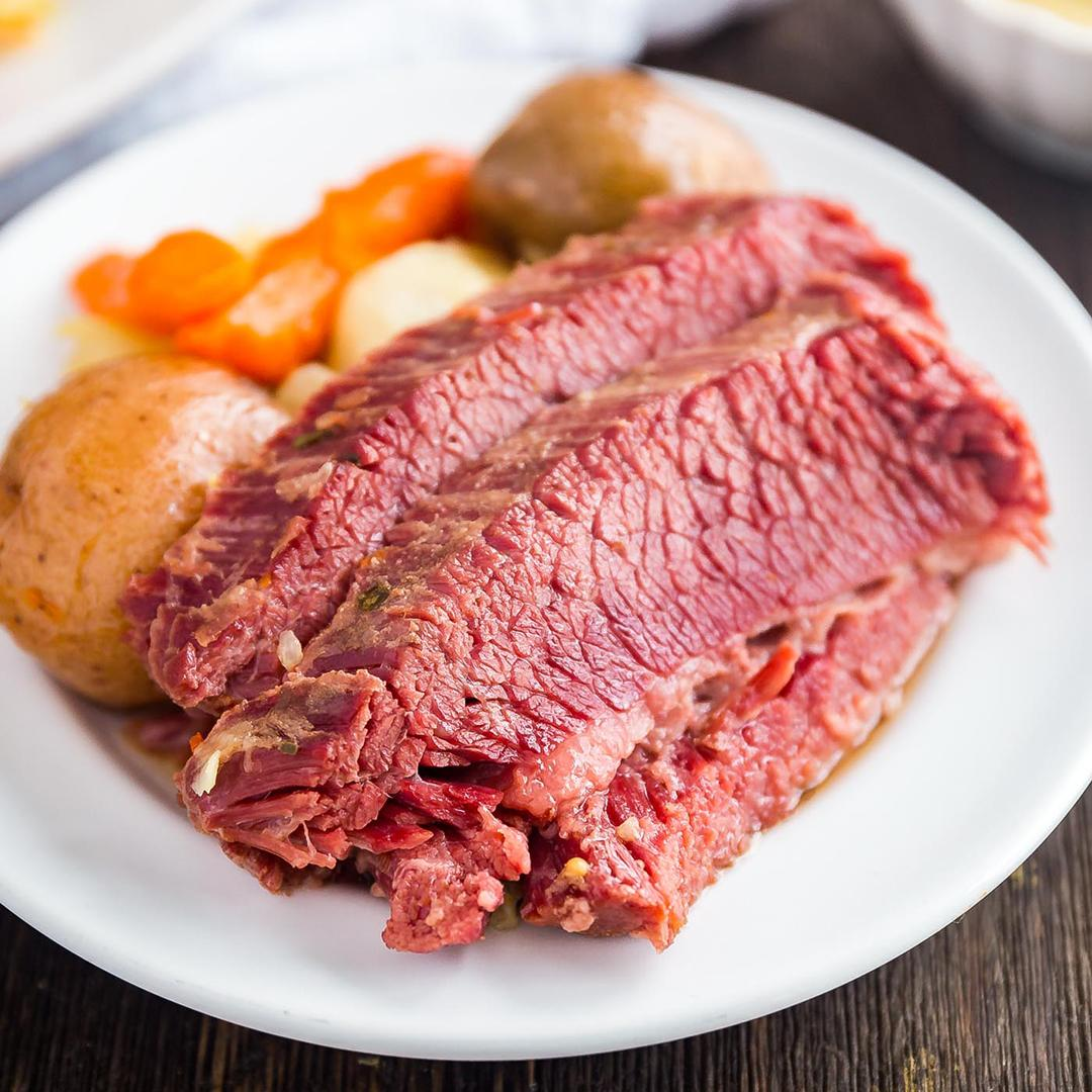 Easy Corned Beef and Cabbage