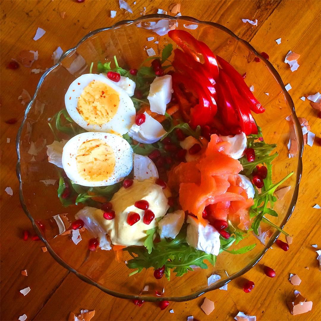 An explosive, harmonious salad blend for meeting spring in full