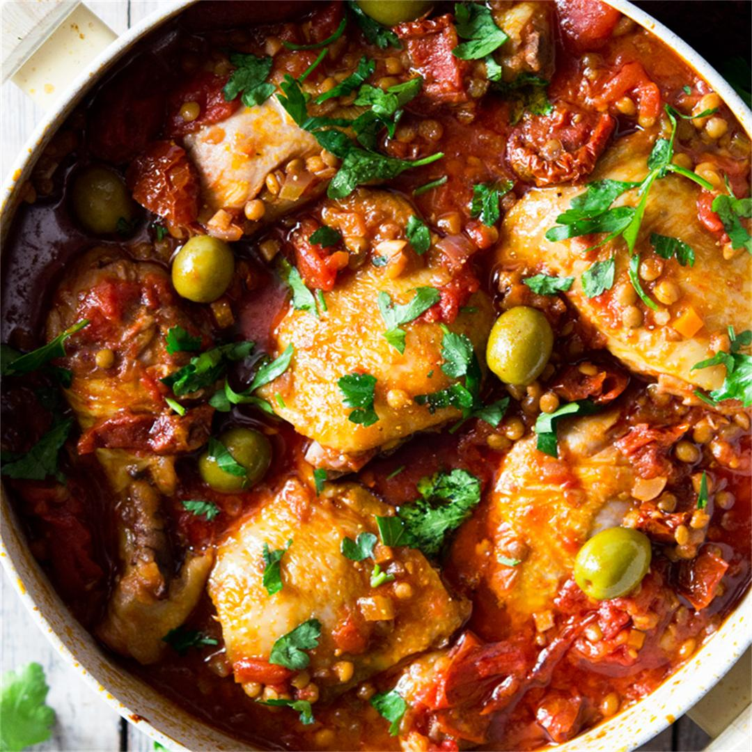 One-pot chicken with olives, tomatoes and lentils