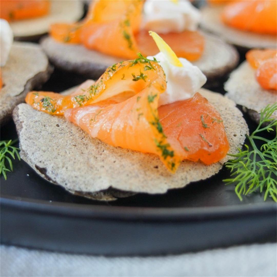 Blini with smoked salmon (or gravlax)