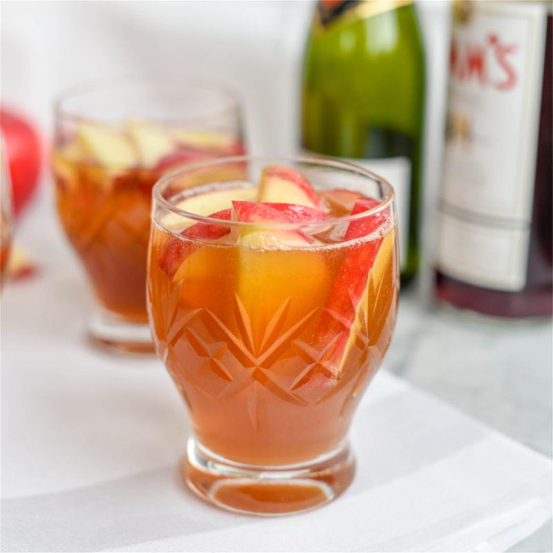 Fizzy Apple Pimms Cocktai